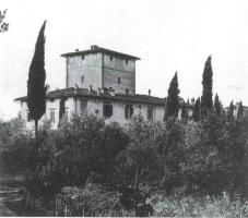 Fig. 10: Al primo piano di questa casa, dalle cui finestre si vedono le cupole di Arcetri, abbiamo abitato in tutto per 71 anni, fino al 2001. (Foto: anni Cinquanta)