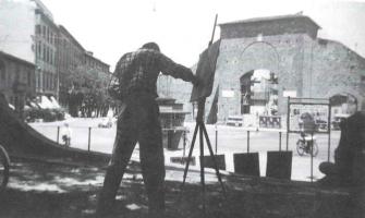 Fig. 12: Anzio dipinge un quadro sulla Piazza di Porta Romana. (Anni Cinquanta)