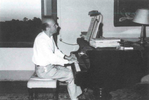 Fig. 14: Anzio al Blüthner nella sua casa in Via delle Campora